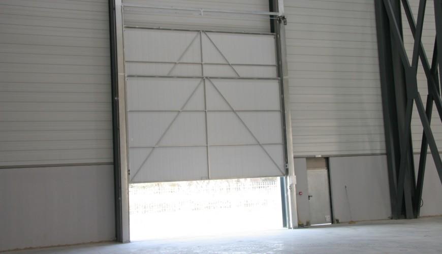 Puertas industriales de guillotina puertas arriazu for Puerta guillotina