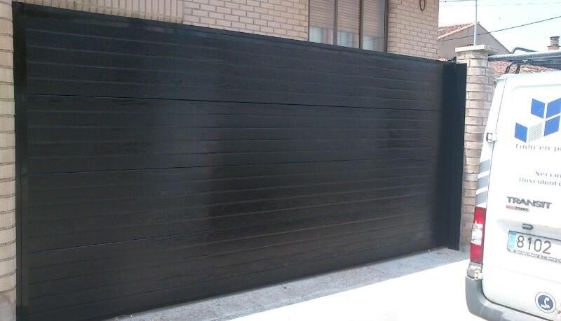 Cancelas y puertas correderas puertas arriazu for Precio de puertas electricas