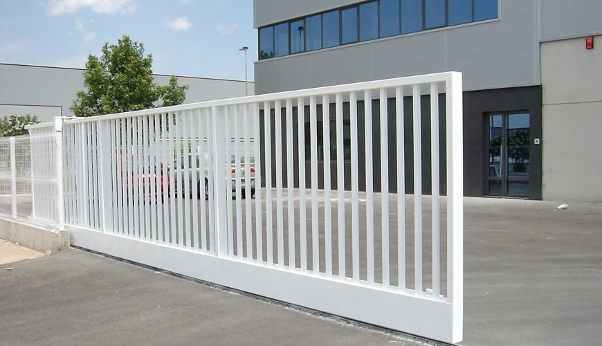 Puertas industriales correderas puertas arriazu - Puerta corredera industrial ...